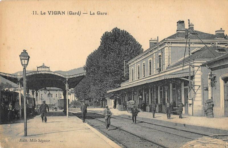 Carte postale ancienne Le Vigan La Gare au Vigan