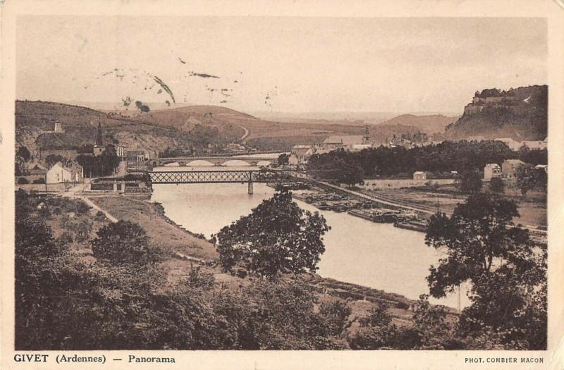 Carte postale ancienne Givet Panorama à Givet