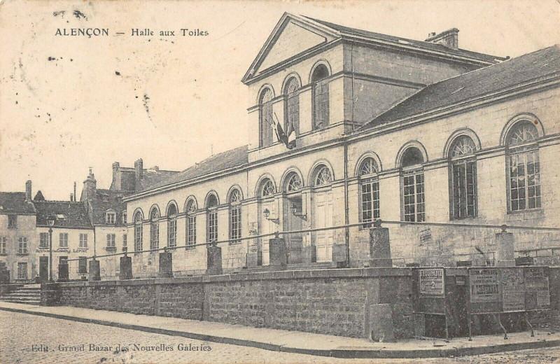 Carte postale ancienne Alencon Halle Aux Toiles à Alençon