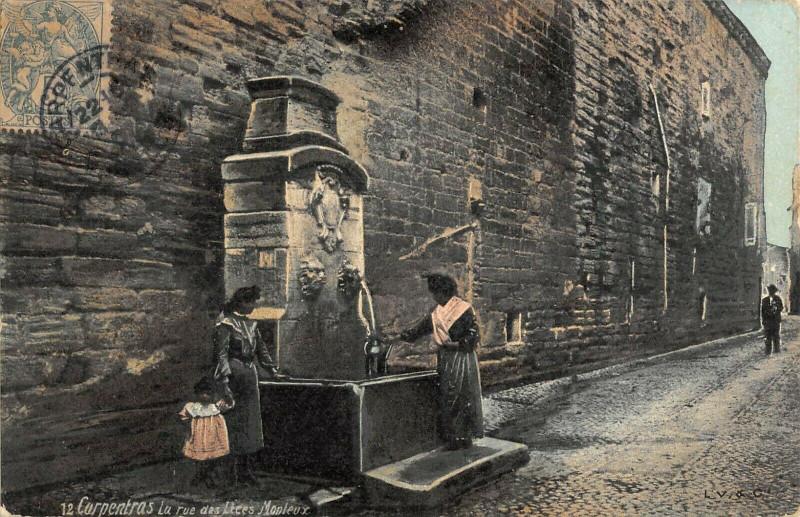 Carte postale ancienne Carpentras La Rue Des Lices Monteux à Carpentras