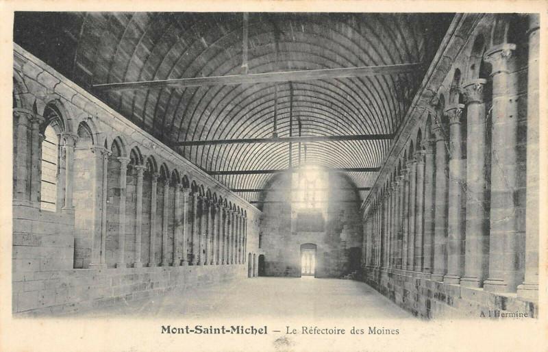 Carte postale ancienne Le Mont Saint Michel Le Refectoire Des Moines au Mont-Saint-Michel
