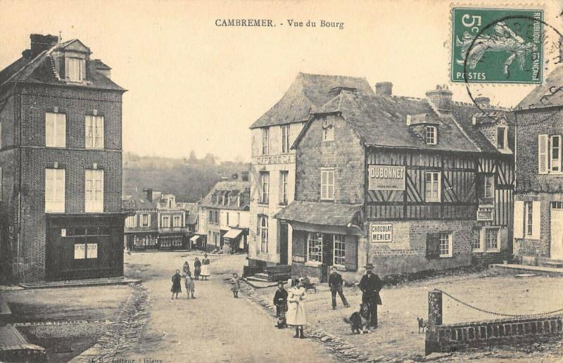 Carte postale ancienne Cambremer Vue Du Bourg à Cambremer