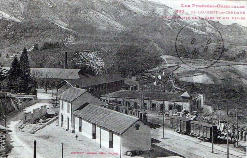 Carte postale ancienne Saint Laurent De Cerdans Vue Generale De La Gare Et Des Usines (Pas Tres à Saint-Laurent-de-Cerdans