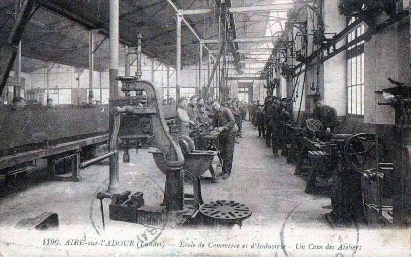 Carte postale ancienne Aire Sur L'Adour Ecole De Commerce Et D'Industrie Un Coin Des Ateliers (T à Aire-sur-l'Adour