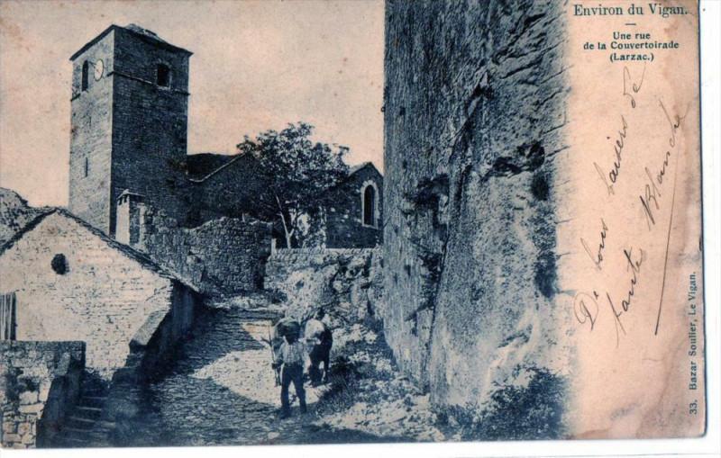 Carte postale ancienne Environs Du Vigan Une Rue De La Couvertoirade Larzac (dos non divisé) à La Couvertoirade