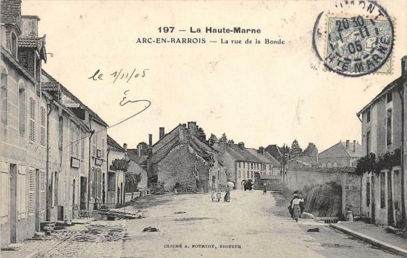 Carte postale ancienne Arc En Barrois La Rue De La Bonde à Arc-en-Barrois