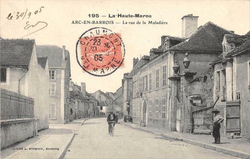 Carte postale ancienne Arc En Barrois La Rue De La Maladiere à Arc-en-Barrois