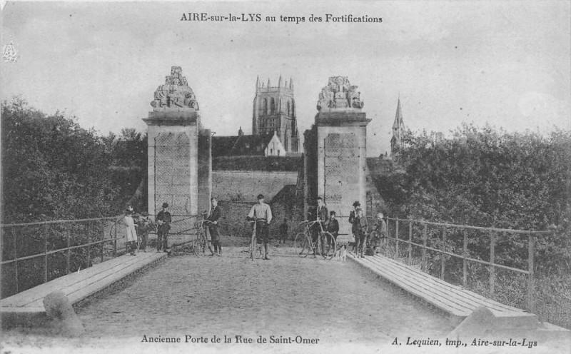 Carte postale ancienne Aire Sur La Lys Au Temps Des Fortifications RueSaint-Omer (animée à Aire-sur-la-Lys