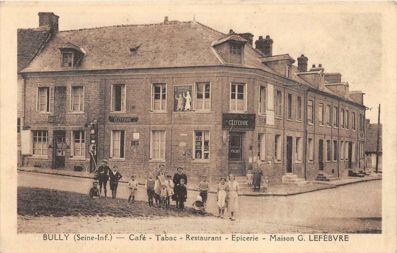 Carte postale ancienne Bully Cafe Tabac Restaurant Epicerie Maison G.lefebvre (cliché rare à Bully