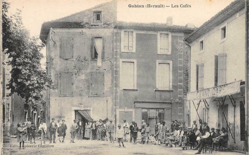 Carte postale ancienne Gabian Les Cafes à Gabian