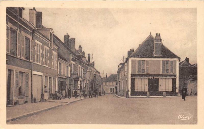 Carte postale ancienne Entrains Sur Nohain Grand'Rue (cliché pas courant à Entrains-sur-Nohain
