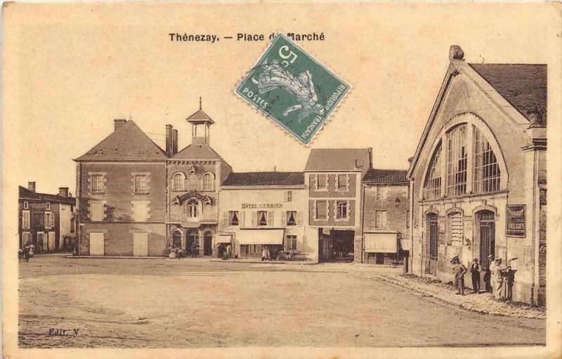 Carte postale ancienne Thenezay Place Du Marche (cpa glacée à Thénezay
