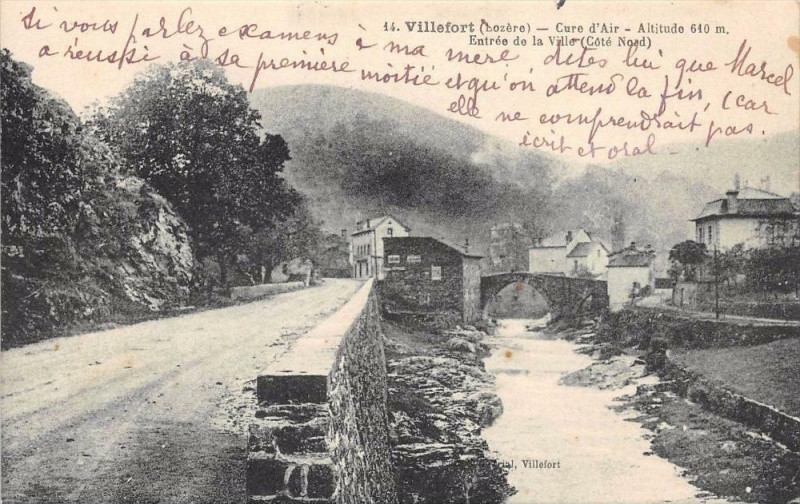 Carte postale ancienne Villefort Entree De La Ville Cote Nord (cliché pas courant à Villefort