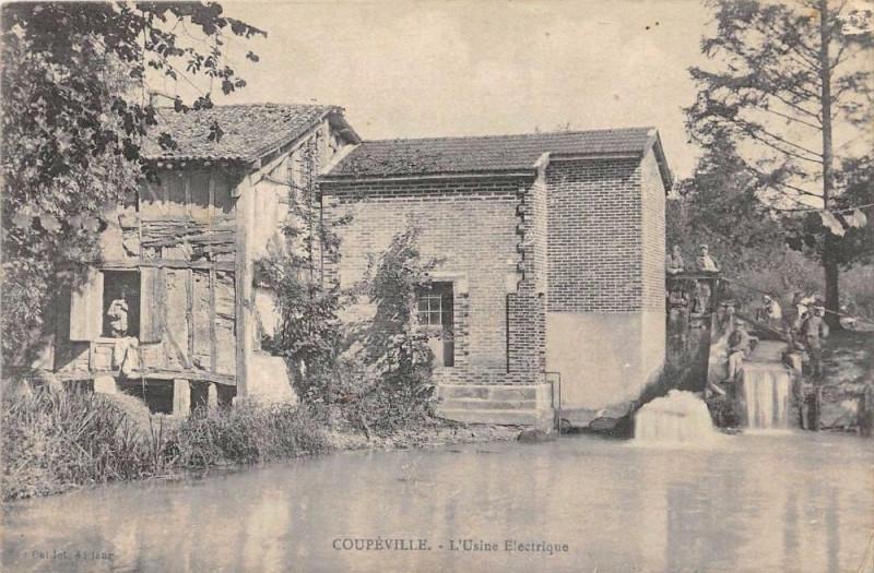 Carte postale ancienne Coupeville L'Usine Electrique à Coupéville