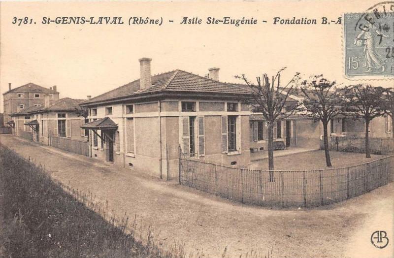 Carte postale ancienne Saint Genis Laval AsileSainte-Eugenie à Saint-Genis-Laval
