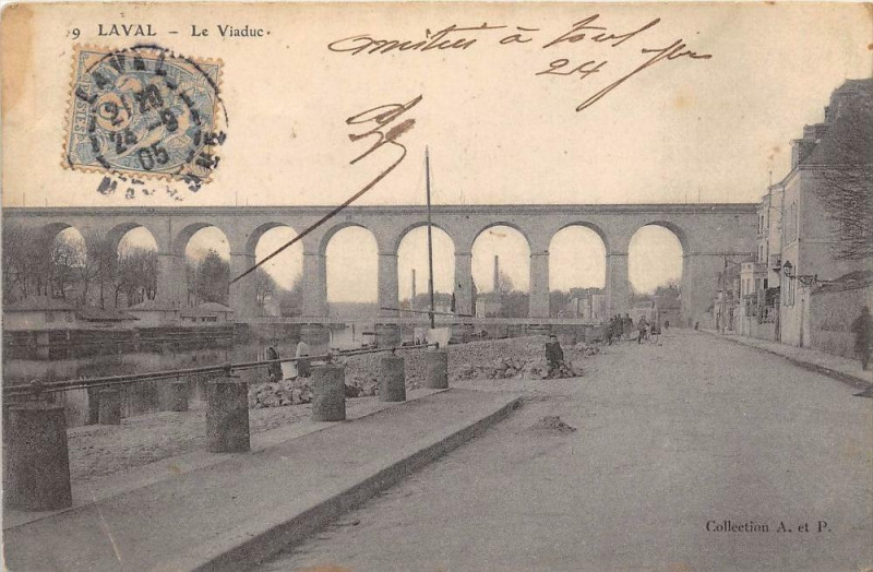 Carte postale ancienne Laval Le Viaduc à Laval