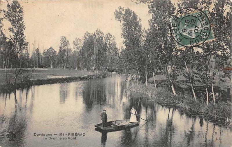 Carte postale ancienne Riberac La Dronne Au Pont (animée à Ribérac