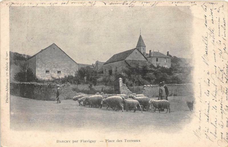 Carte postale ancienne Darcey Par Flavigny Place Es Terreaux (dos non divisé) à Darcey