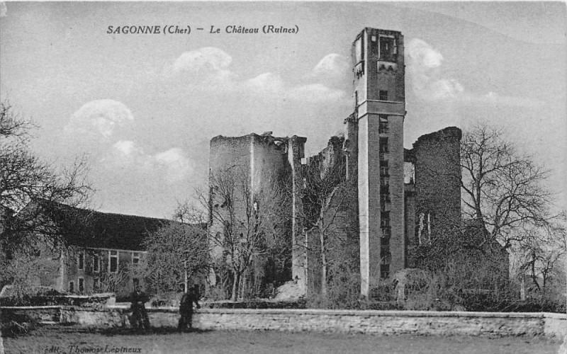 Carte postale ancienne Sagonne Le Chateau à Sagonne