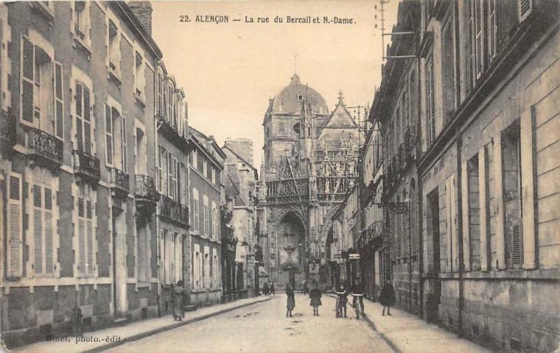 Carte postale ancienne Alencon La Rue Du Bercail à Alençon