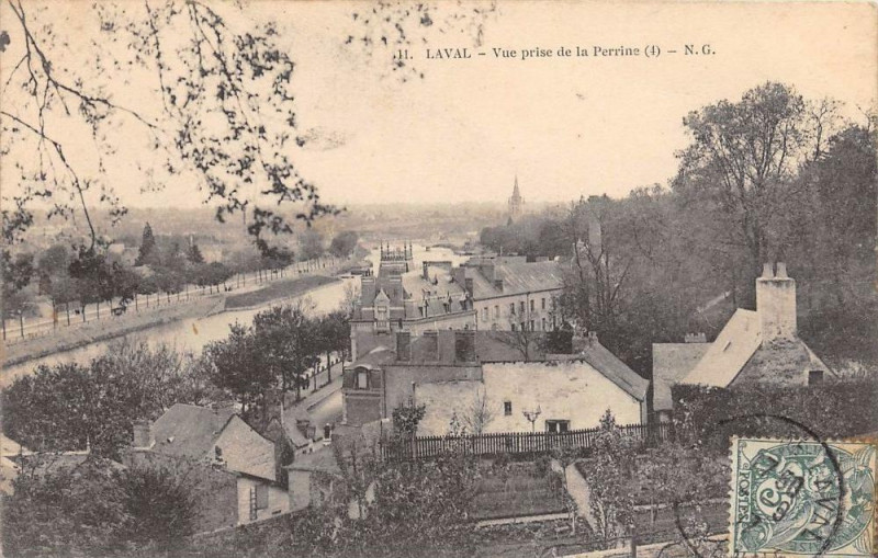 Carte postale ancienne Laval Vue Prise De La Perrine à Laval