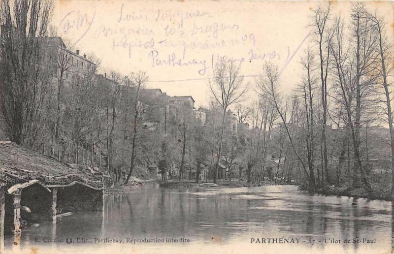 Carte postale ancienne Parthenay L'Ilot De Saint Paul à Parthenay