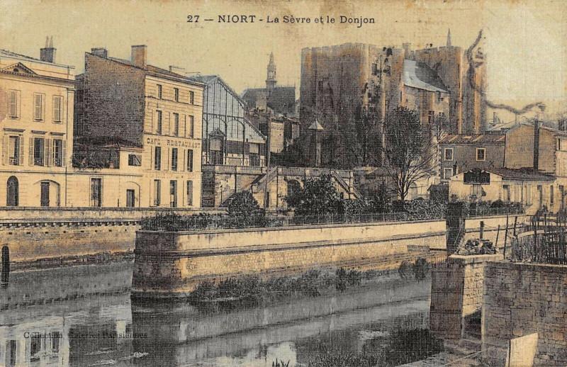 Carte postale ancienne Niort La Sevre Et Le Donjon (cpa toilée émaillée à Niort