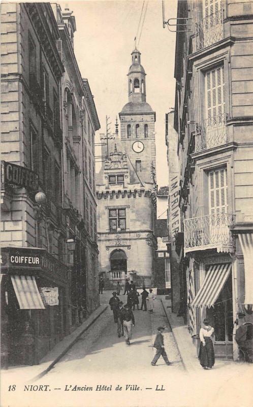 Carte postale ancienne Niort Ancien Hotel De Ville à Niort