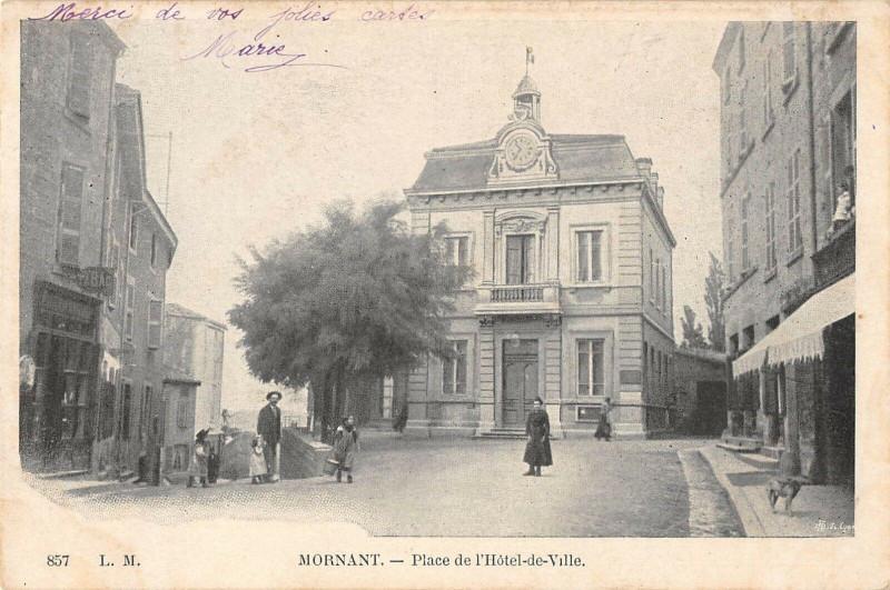 Carte postale ancienne Mornant Place De L'Hotel De Ville (dos non divisé) à Mornant