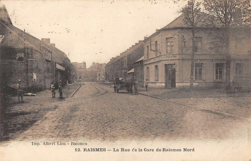 Carte postale ancienne Raismes La Rue De La Gare De Raismes Nord à Raismes