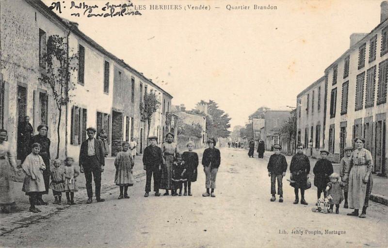 Carte postale ancienne Les Herbiers Quartier Brandon aux Herbiers