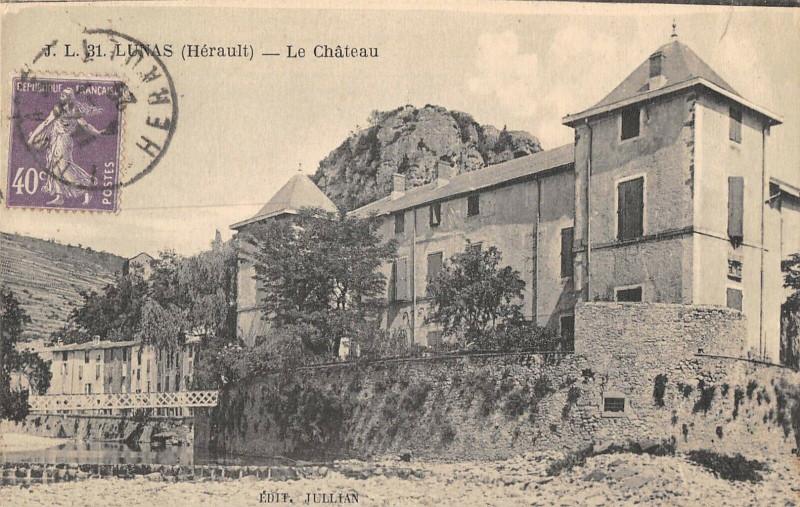 Carte postale ancienne Lunas Le Chateau à Lunas