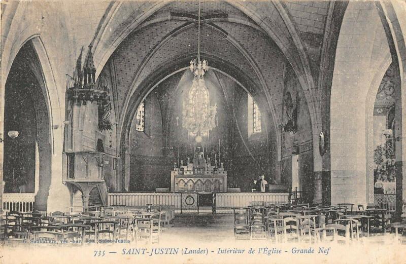 Carte postale ancienne Saint Justin Interieur Eglise Grande Nef à Saint-Justin