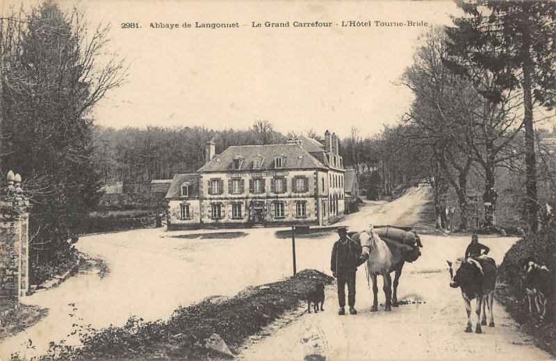 Carte postale ancienne Abbaye De Langonnet Le Grand Carrefour Hotel Tourne Bride à Langonnet