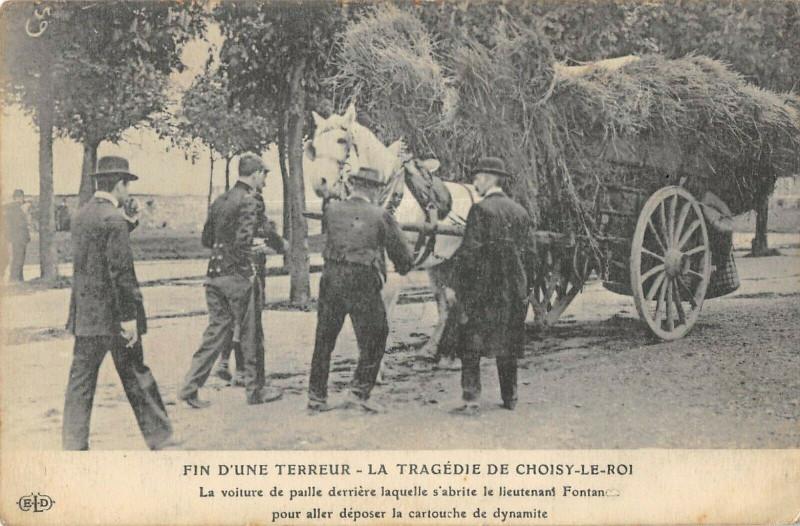 Carte postale ancienne Choisy Le Roi La Tragedie Fin D'Une Terreur La Voiture De Paille à Choisy-le-Roi