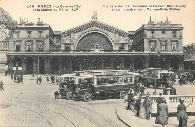 Carte postale ancienne La Gare de l'Est et la Station du Métro à Paris 10e