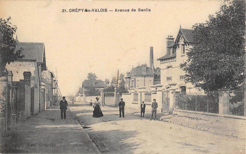 Carte postale ancienne Crepy En Valois Avenue De Senlis à Senlis