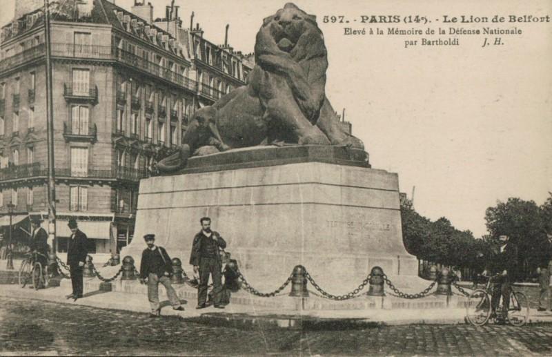 Carte postale ancienne Le Lion de Belfort à Paris 14e