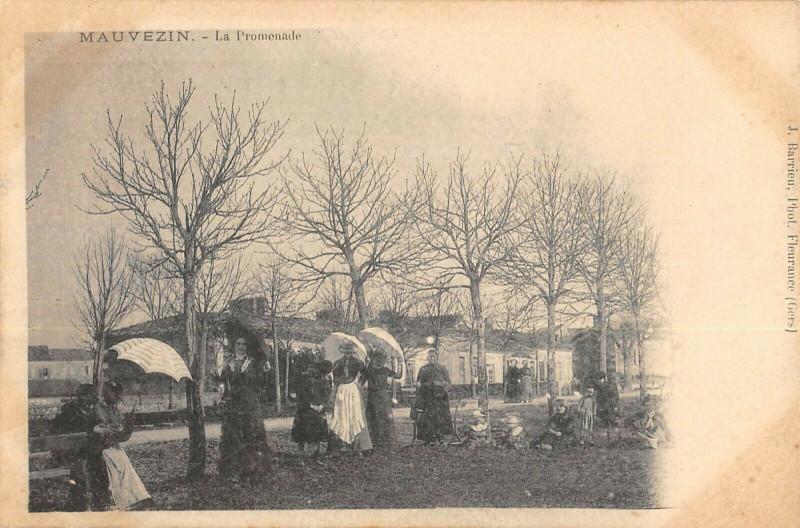 Carte postale ancienne Mauvezin La Promenade (cpa rare à Mauvezin