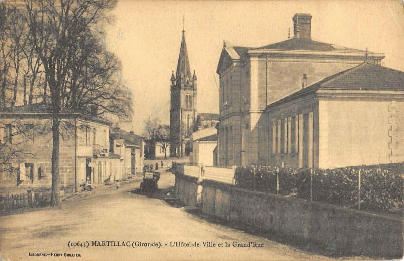 Carte postale ancienne Martillac Hotel De Ville Grand Rue à Martillac