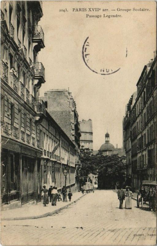 Carte postale ancienne Paris 17e - Groupe Scolaire - Passage Legendre à Paris 17e