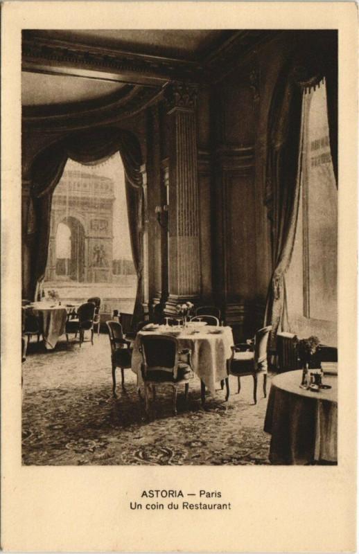 Carte postale ancienne Paris 10e - Astoria - Un coin du Restaurant à Paris 10e