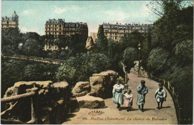 Carte postale ancienne Buttes-Chaumont - Le chemin du Belvédère à Paris 19e