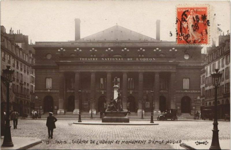 Carte postale ancienne Théâtre de l'Odéon et Monument d'Emile Augier à Paris 6e
