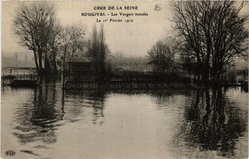 Carte postale ancienne Crue de la Seine Bougival Les Vergers inondes à Bougival