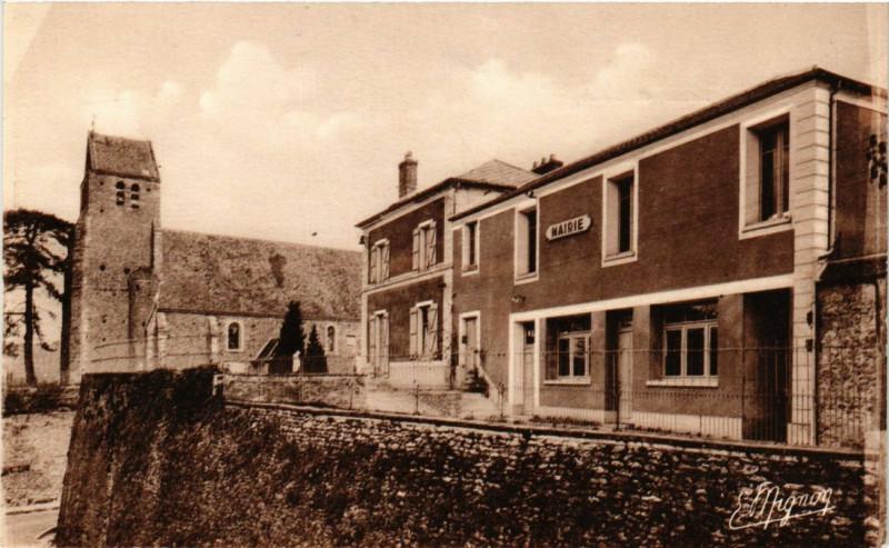 Carte postale ancienne GROSROUVREs - Mairie et Eglise à Grosrouvre