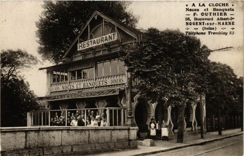 Carte postale ancienne A La Cloche Noces et Banquets F. Outhier 58, Boulevard Albert-Ier