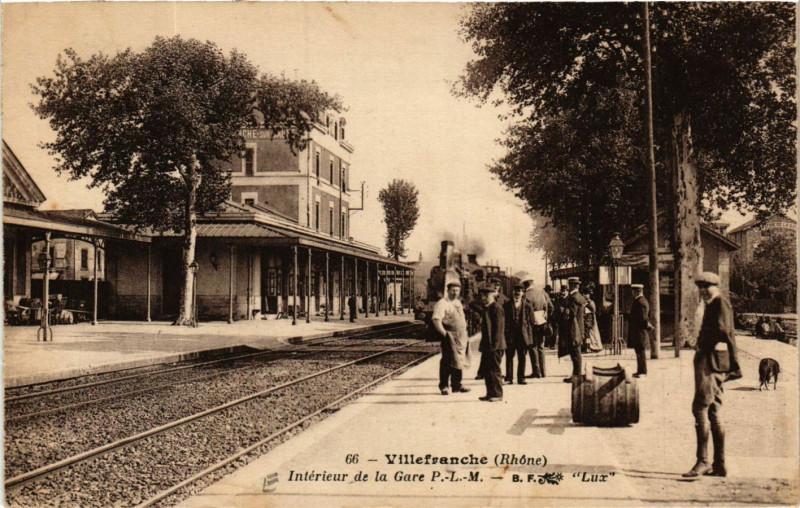 Carte postale ancienne Villefranche-sur-Saone - Intérieur de la Gare P.-L.-M. à Villefranche-sur-Saône