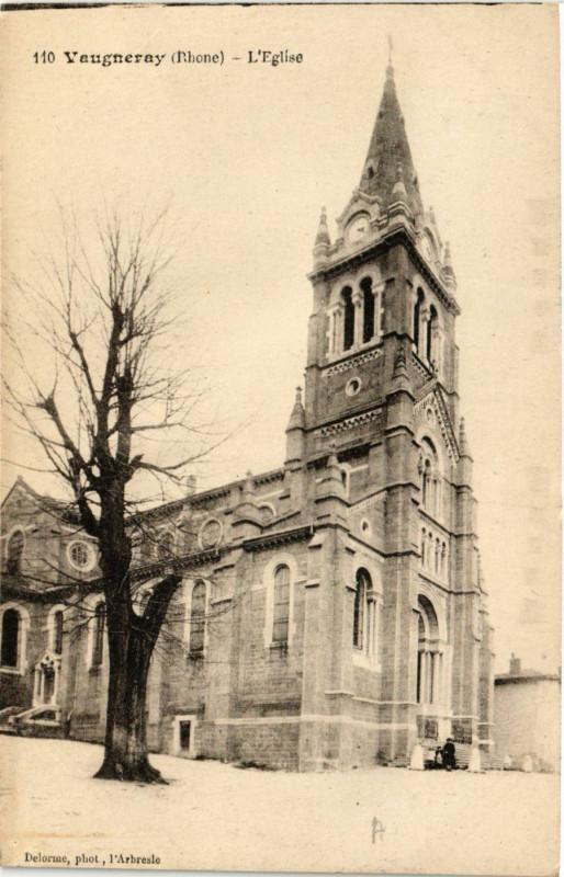 Carte postale ancienne Vaugneray - Eglise à Vaugneray