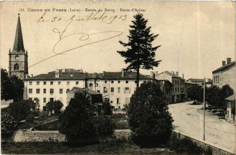 Carte postale ancienne Usson-en-Forez - Entree du Bourg - Route d'Apinac France à Usson-en-Forez